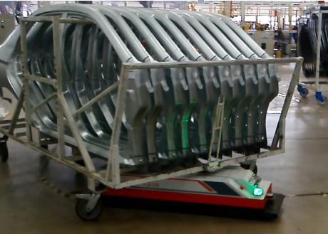 利用AGV智能小车解决物料搬运中的工荒问题