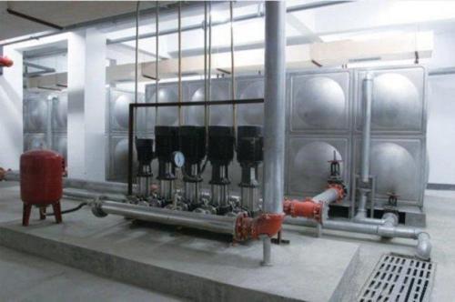 探讨如何保障二次供水水箱的水质安全。