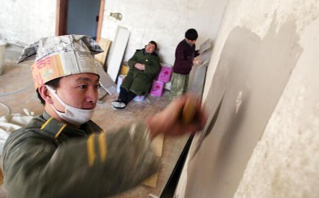 木地板安装等等 贴墙面,地面的瓷砖,墙面,门窗口抹灰,砌墙,包烟道,封
