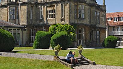 去英国留学读高中的四大优势