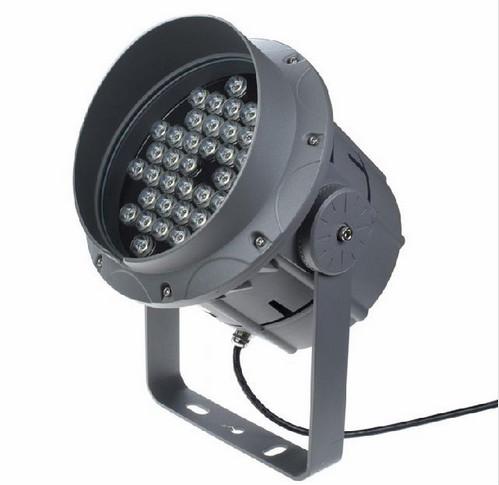 LED投光灯与传统投光灯的差异?