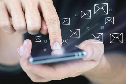 群发短信平台在发送营销短信时如何打动客户