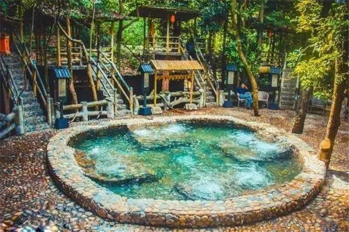广东温泉旅游,泡温泉有哪些注意事项?泡前、泡时、泡后都有讲究