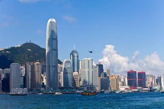 综述:接入全球网络 香港迎来高铁时代