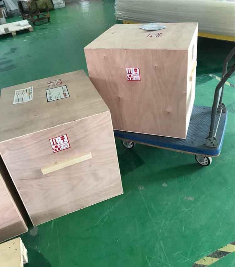200个亚克力鞋盒包装发货苏州