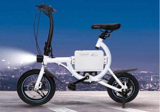 安装脚踏让两轮电动车变得更有利?