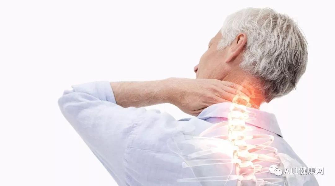 """不做""""低头族"""" 常做颈椎操 预防和改善颈椎病引起的眩晕"""