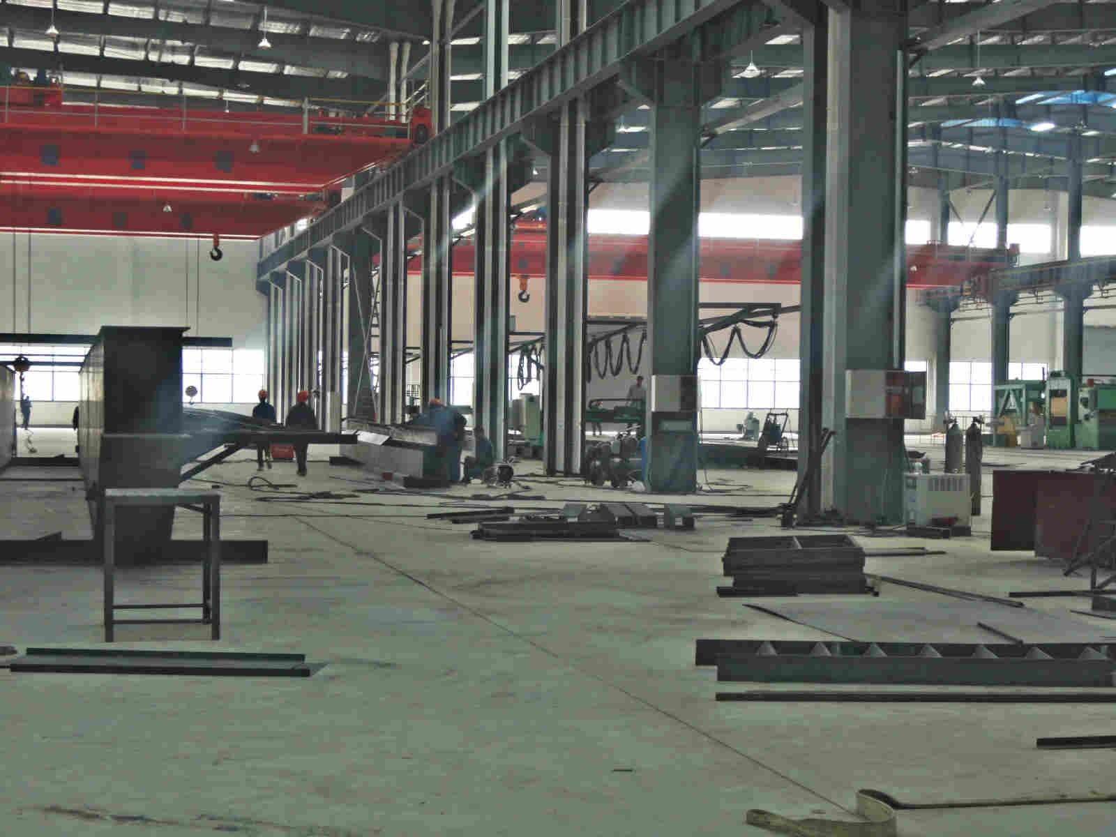 建设部首批颁发的钢结构一级资质企业,首批建筑钢结构制作安装定点