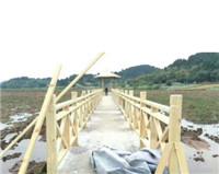 高速路栏杆买pvc栏杆就找松果公用设施