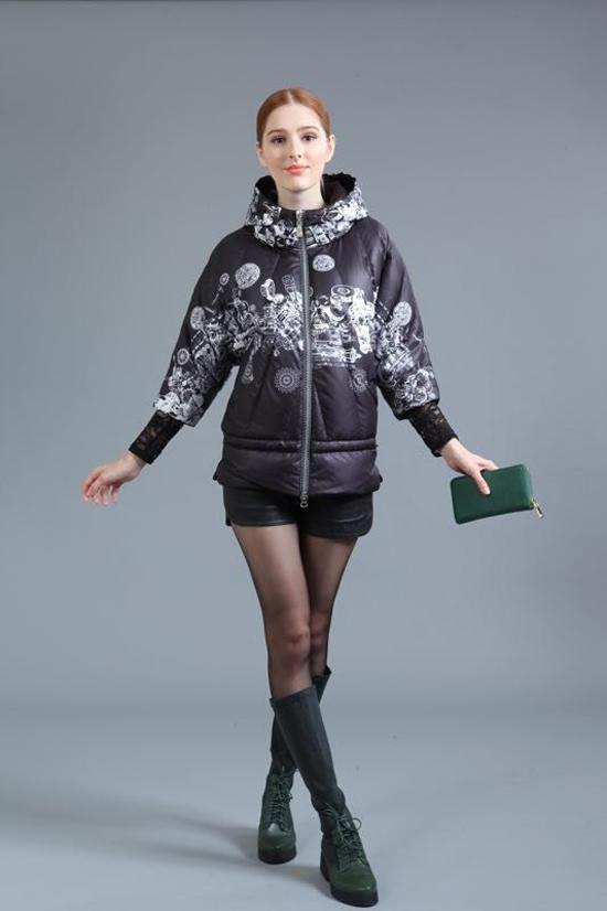 杭州品牌女装折扣店厂家直销|首选艾依服饰品质有保证