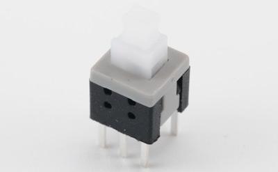 由开关接点开,合状态的改变去控制电路和电机.