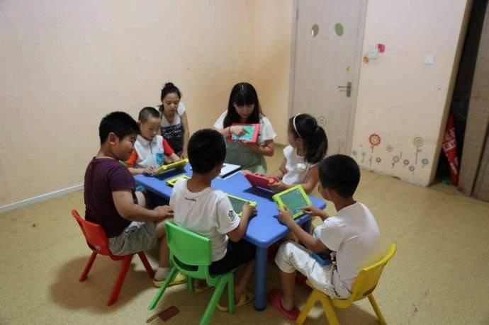 編玩邊學專注小學生編程課程