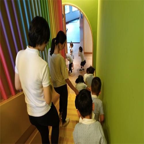 乌鲁木齐市天山区澳瑞幼儿园服务优良,提供服务