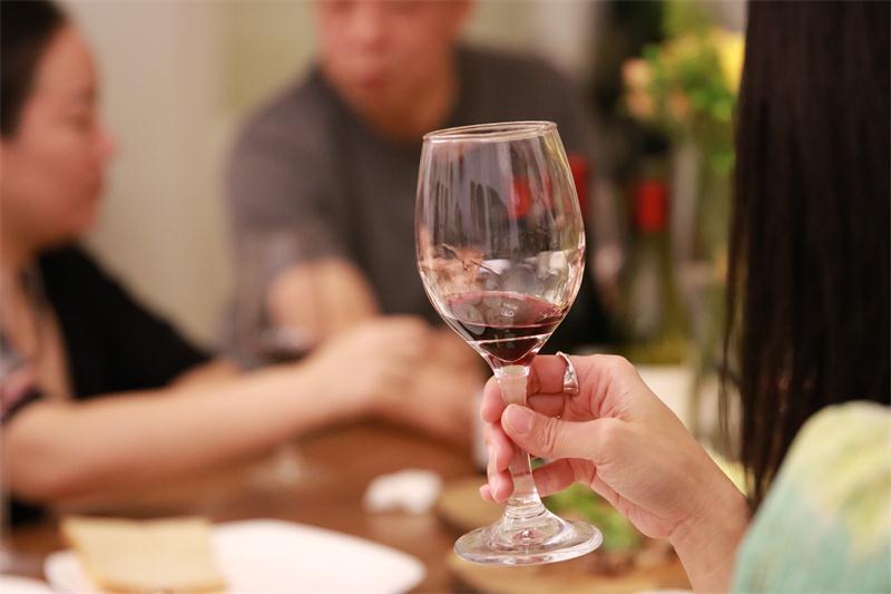 大师汇有机之选SONBWINELegueofsters提供专业的葡萄酒服务