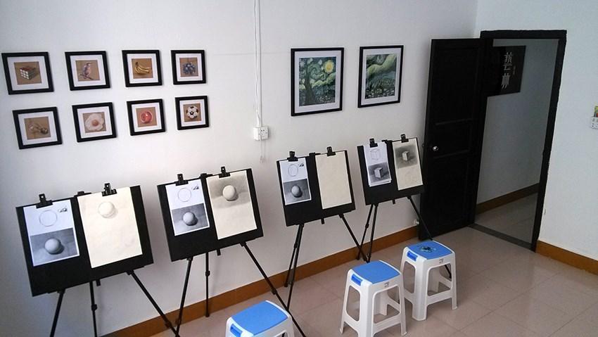 老鹰画室提供杭州美术培训业务
