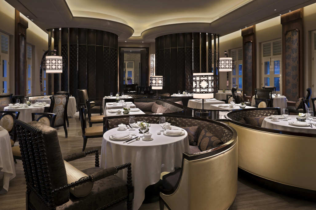 明峰苹果提供专业的餐厅桌椅定制厂产品