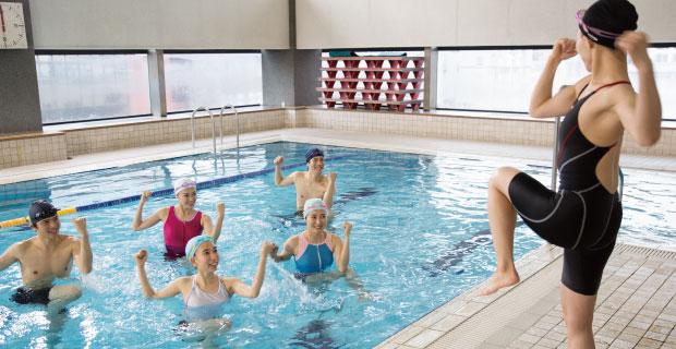 天意游泳培训专业从事学游泳课程